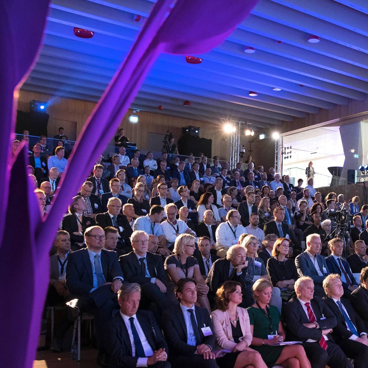 Publiek van de Grand Opening van de Brightlands Smart Services Campus in Heerlen