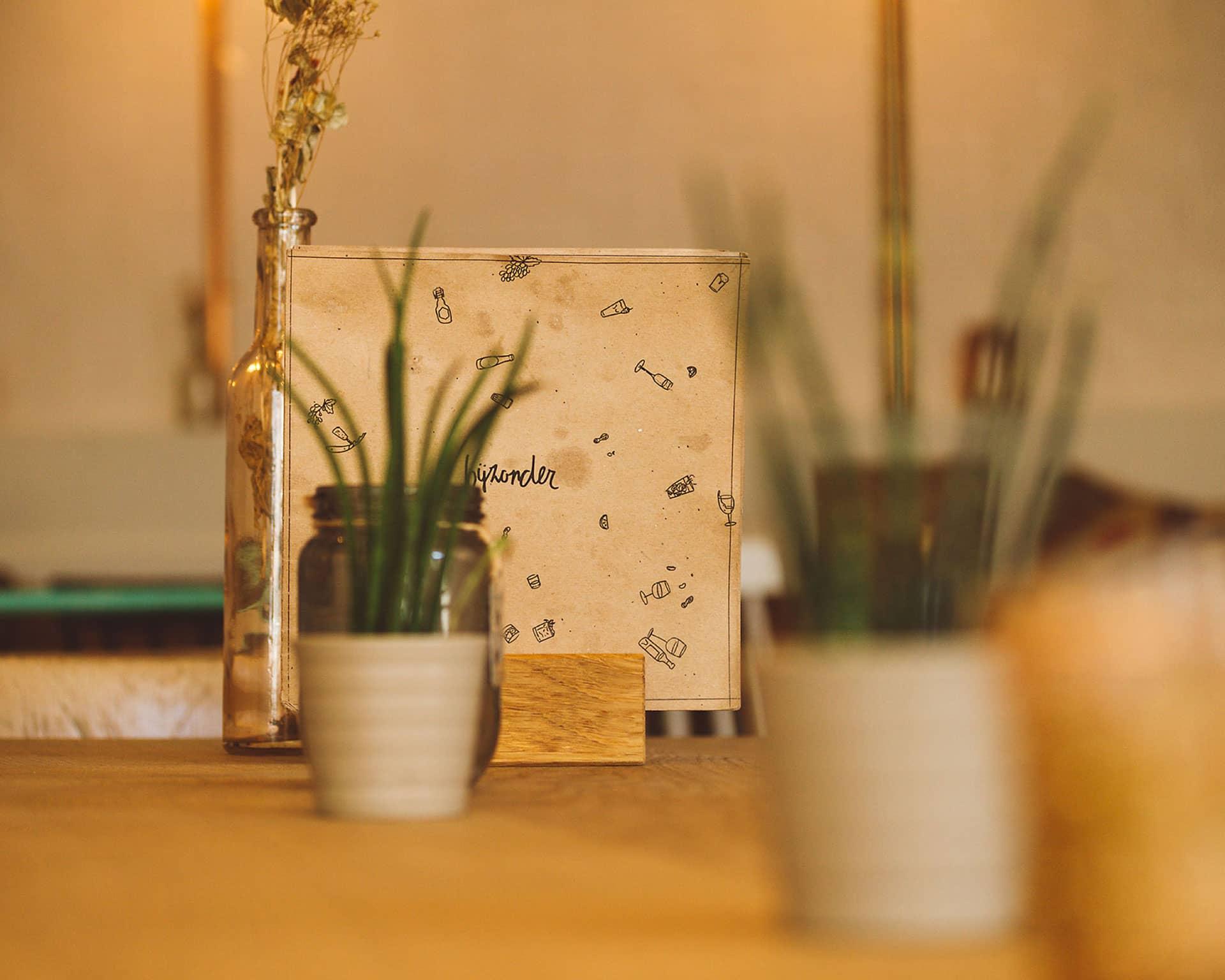 Menukaart van restaurant Bijzonder in Maastricht ontworpen door Saus